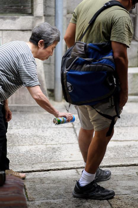 This Lady was our Savior -- Fushimi-Inari Taisha (伏見稲荷大社) -- Kyoto, Japan -- Copyright 2011 Jeffrey Friedl, http://regex.info/blog/