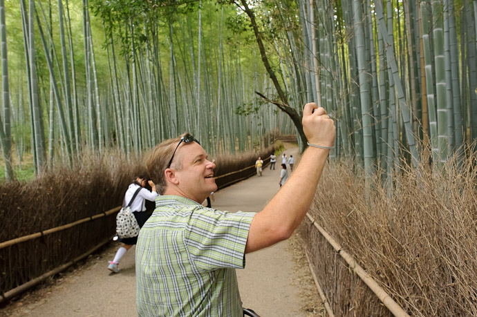 Amazed at the Bamboo -- Arashiyama (嵐山) -- Kyoto, Japan -- Copyright 2011 Jeffrey Friedl, http://regex.info/blog/
