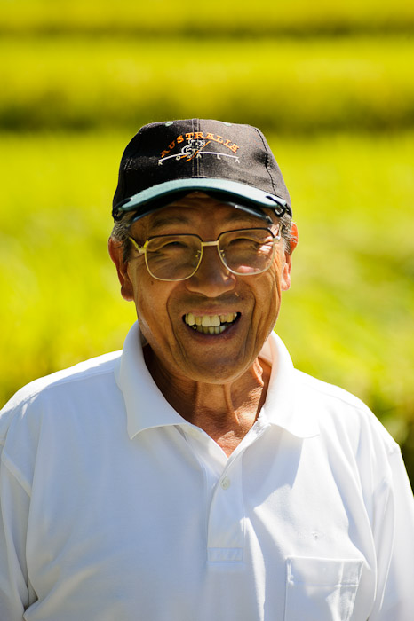 Gentleman Farmer -- Katano, Osaka, Japan -- Copyright 2011 Jeffrey Friedl, http://regex.info/blog/