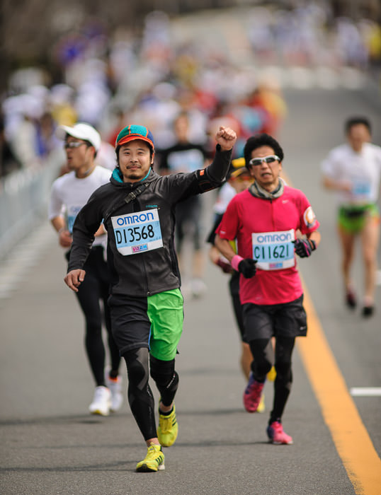 Fist Pump -- Kyoto City Marathon (京都マラソン) -- Kyoto, Japan -- Copyright 2012 Jeffrey Friedl, http://regex.info/blog/