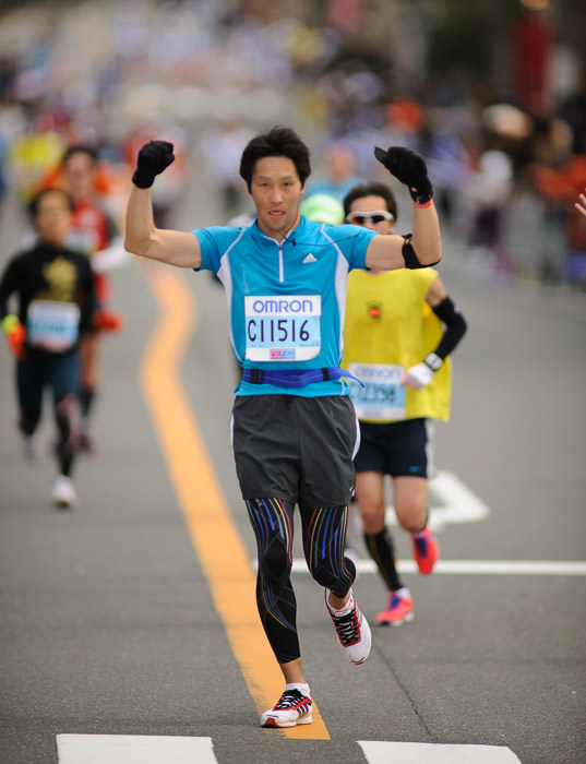 As Macho as having just run 26 miles can leave someone -- Kyoto City Marathon (京都マラソン) -- Kyoto, Japan -- Copyright 2012 Jeffrey Friedl, http://regex.info/blog/