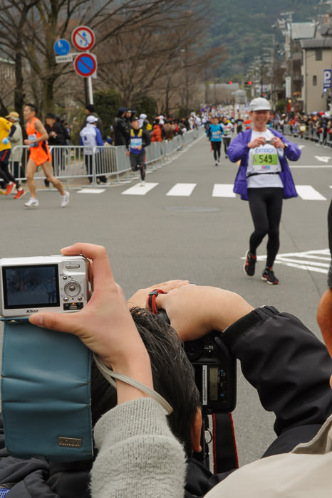 Official Photographer photographed by a runner -- Kyoto City Marathon (京都マラソン) -- Kyoto, Japan -- Copyright 2012 Jeffrey Friedl, http://regex.info/blog/