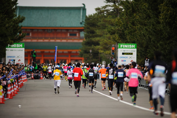 Slightly to the Side was Better but still not great -- Kyoto City Marathon (京都マラソン) -- Kyoto, Japan -- Copyright 2012 Jeffrey Friedl, http://regex.info/blog/