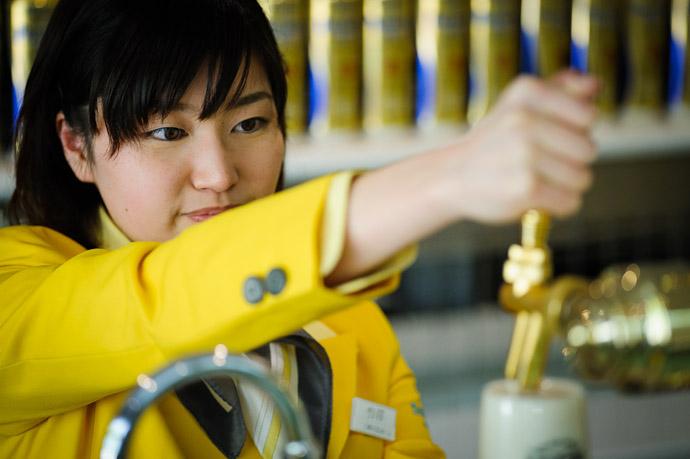 The Human Element  --  Suntory Beer Kyoto Brewery  --  Nagaokakyo, Kyoto, Japan  --  Copyright 2012 Jeffrey Friedl, http://regex.info/blog/
