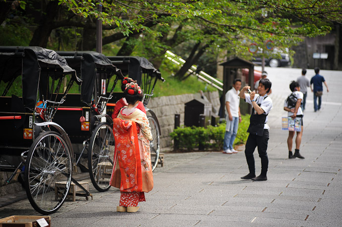 Dress Up Ladies dress as geisha and hit the town  --  Kyoto, Japan  --  Copyright 2012 Jeffrey Friedl, http://regex.info/blog/