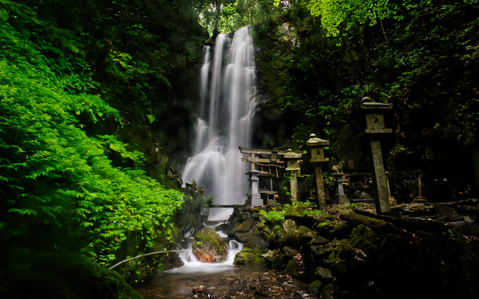 desktop background image of Kuuya-taki Waterfall (空也滝), Kyoto Japan  --  Kuuya-taki Waterfall (空也滝) Kyoto, Japan  --  Kuuyataki Waterfall (空也滝)  --  Copyright 2012 Jeffrey Friedl, http://regex.info/blog/
