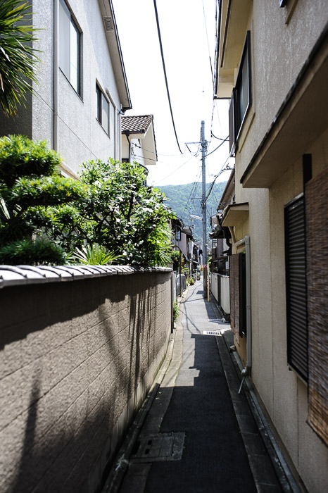 Narrow Lane -- Kyoto, Japan -- Copyright 2014 Jeffrey Friedl, http://regex.info/blog/2014-06-01/2426 -- This photo is licensed to the public under the Creative Commons Attribution-NonCommercial 4.0 International License http://creativecommons.org/licenses/by-nc/4.0/ (non-commercial use is freely allowed if proper attribution is given, including a link back to this page on http://regex.info/ when used online)