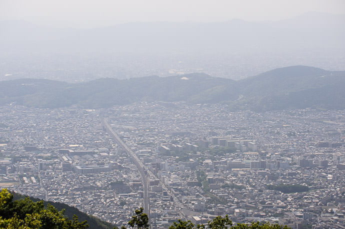 Super Super Hazy I was there for an hour, and could never even find Kyoto Tower -- Otowyama (音羽山) -- Kyoto, Japan -- Copyright 2015 Jeffrey Friedl, http://regex.info/blog/