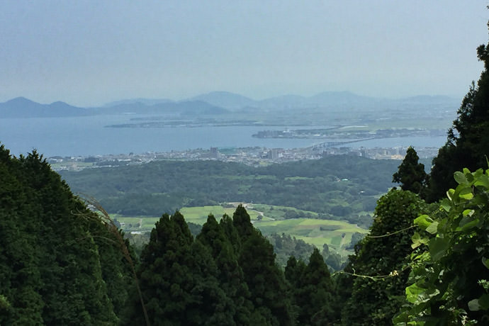 Nice Views that break down to a blotchy mess with the heat, humidity, and tiny iPhone camera sensor -- Otsu, Shiga, Japan -- Copyright 2016 Jeffrey Friedl, http://regex.info/blog/