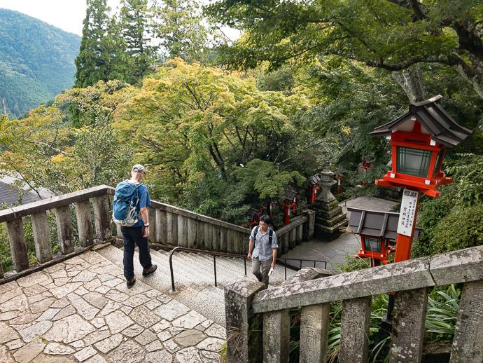 Heading Down -- Kurama Temple (鞍馬寺) -- Kyoto, Japan -- Copyright 2017 Jeffrey Friedl, http://regex.info/blog/