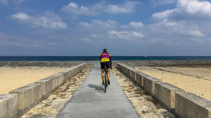 Beachfront Riding photo by Jason Eisenmenger -- Nanjo, Okinawa, Japan -- Copyright 2018 Jeffrey Friedl, http://regex.info/blog/