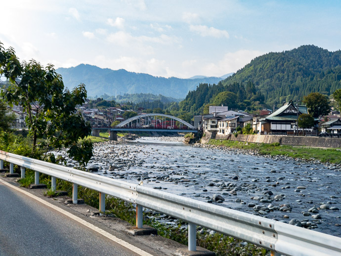 Horrible Photo of a Gorgeous Scene I wish I had my real camera -- Hida, Gifu, Japan -- Copyright 2018 Jeffrey Friedl, http://regex.info/blog/