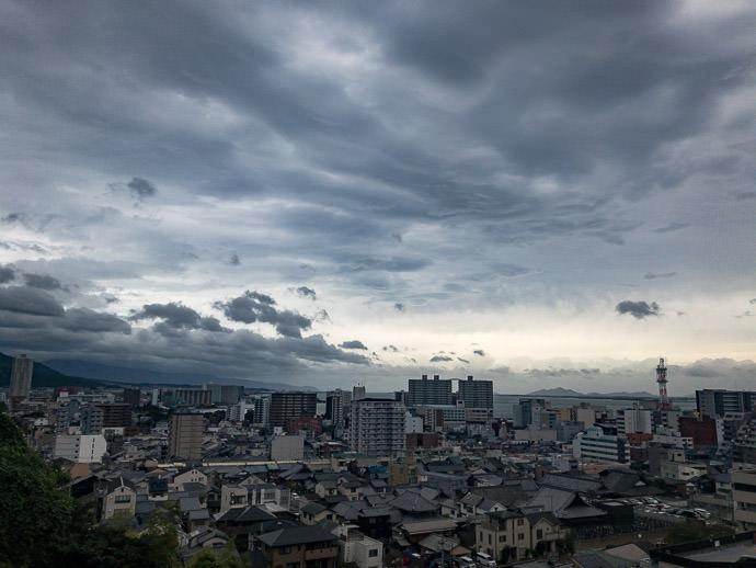 Calm Before the Storm Otsu City, Shiga Prefecture, Japan -- 3 -- Otsu, Shiga, Japan -- Copyright 2018 Jeffrey Friedl, http://regex.info/blog/