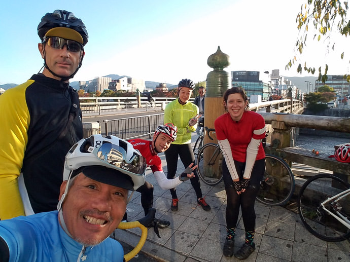 Morning Meetup at the Sanjo Ohashi Bridge in Kyoto L-R: me (USA), Manseki (Japan), Ionut (Romania), Yifen (USA), Lianca (South Africa) (Salvo, from Italy, joined us a few minutes into the ride) photo by Manseki Kanemitsu -- Copyright 2016 Manseki Kanemitsu
