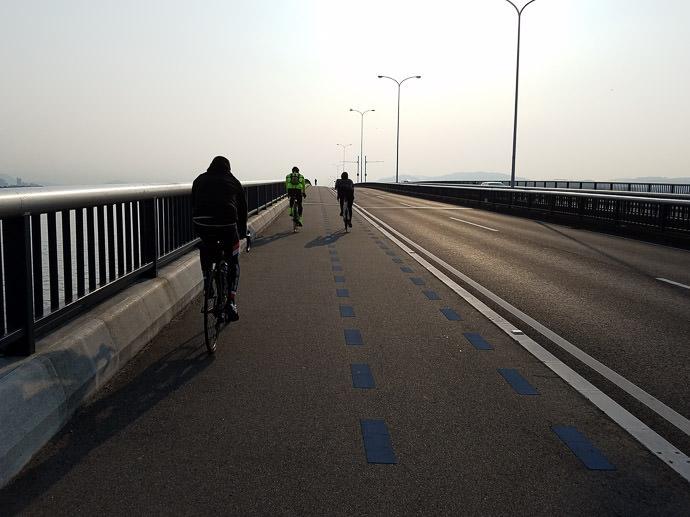 En Route photo by Manseki Kanemitsu -- 第5回守山野洲川クリテリウム -- Copyright 2017 Manseki Kanemitsu