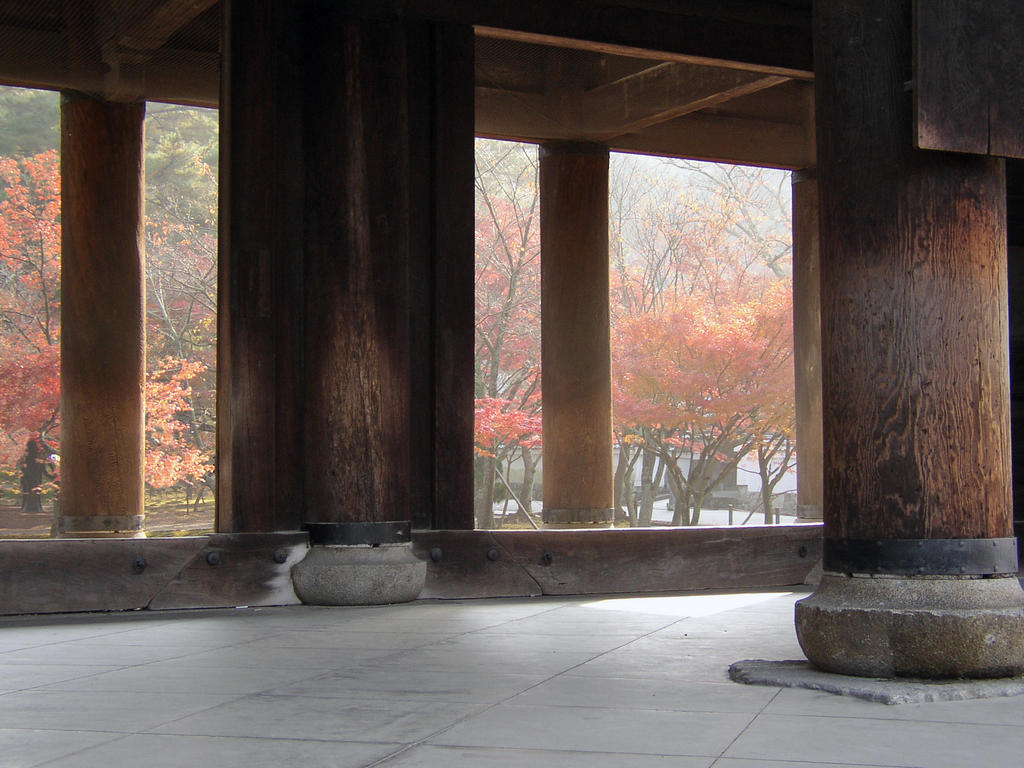 Under the main gate at the Nanzen Temple, Kyoto Japan. Photo by Katsunori Shimada